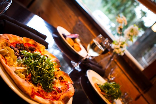 Hagensborg, Kanada: Four season Pizza