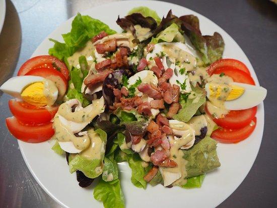 Mayres, فرنسا: Salade paysanne.