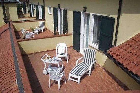 Pomposa, Italy: Terrazze delle camere matrimoniali con vista sul fiume