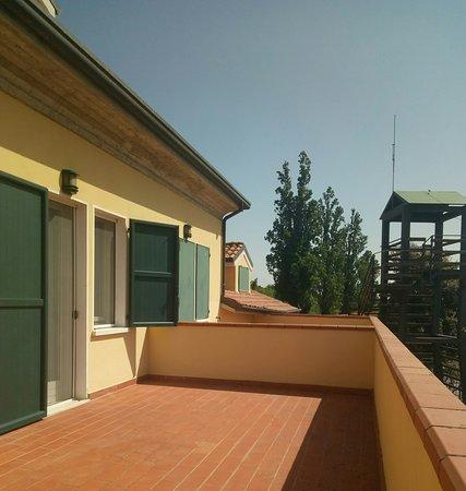 Pomposa, Italy: Terrazza della camera con vista sul fiume