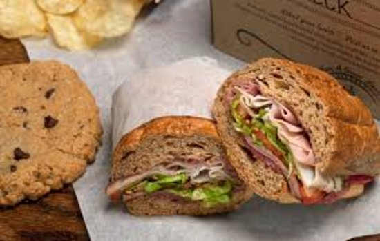 Lake Bluff, Илинойс: A typical sandwich that is served at Potbelly's.