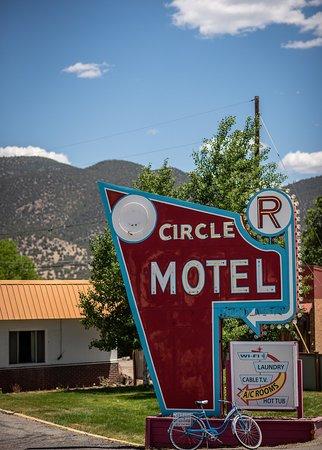 Circle r motel 0 for Circle d motel