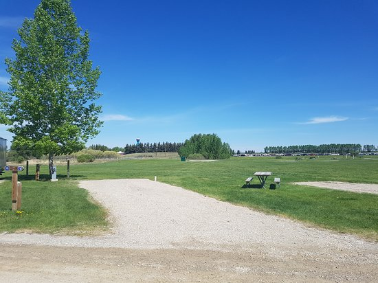 Campgrounds in Alberta with Hookups