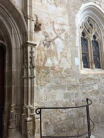 Cite Religieuse: painting outside of Marian chapel