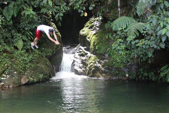 San Rafael, Colombia: Piscina natural de La Cueva de Morgan. A 150 metros del Alojamiento.