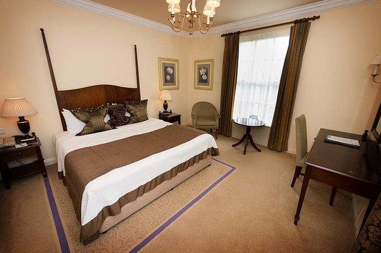 Ringwood Hall Hotel & Spa: Guest room
