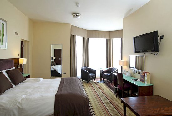 Prom Hotel