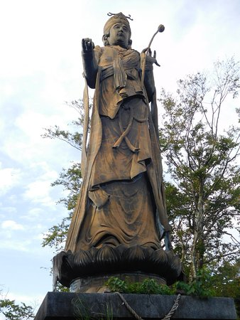 舘山寺温泉, 観音菩薩です。たいていの観光客はここまで来てあとは引きかえしていました。