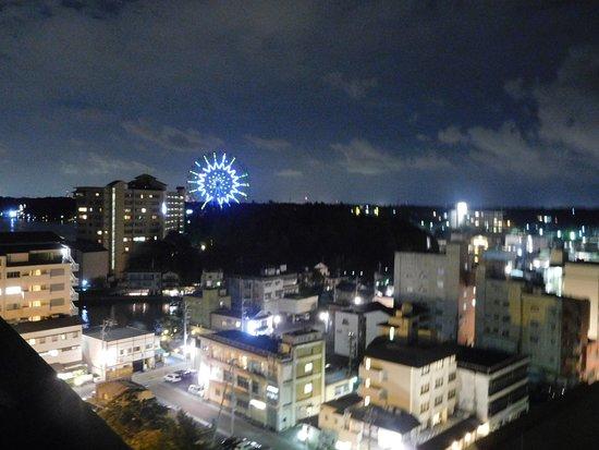 舘山寺温泉, 夜景です。この日は静かでしたが、暴走族が来ることもあるようです。