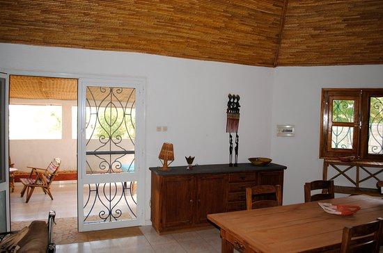 Ngaparou, Senegal: Grand salon + espace de travail, wifi