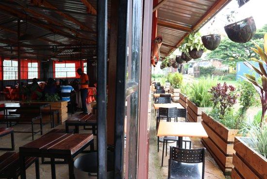 Tuuti's Restaurant: Choice of seating