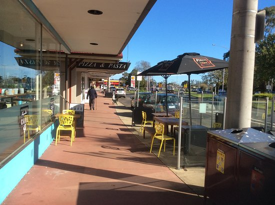 Trafalgar, Australien: Outside sitting area for a nice day.