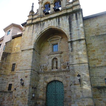 教会の外観 Picture Of Parroquia De San Vicente Martir De Abando Bilbao Tripadvisor