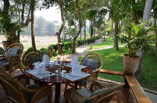 Viewpoint Cafe: The garden and restaurant together