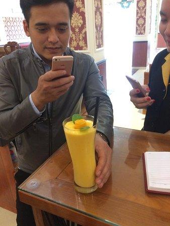 Bac Ninh, Vietnam: Mango Smoothie