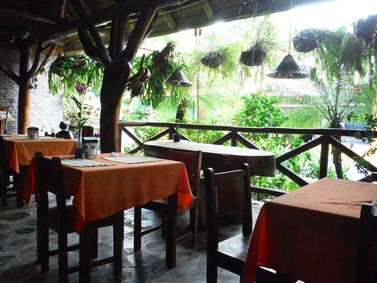 Hotel Diuwak: Part of the restaurant