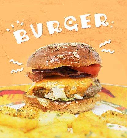 Castilleja de la Cuesta, Spain: ¿Con quién quieres almorzar hoy una burger?