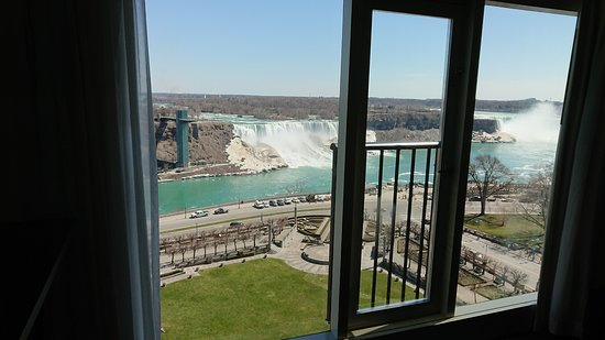 Sheraton on the Falls Hotel : Room view