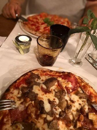 Budoia, Italy: Pizzata papà figlia.. Personale cordiale. Prezzi ottimi e la qualità indescrivibile. Consiglio.
