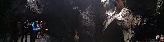 Trummelbach Falls: Una Panoramica