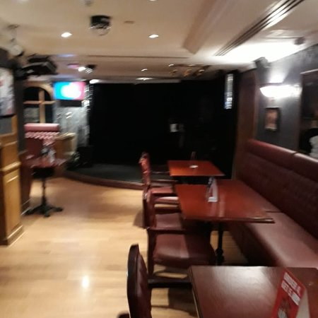 photo2 jpg picture of sherlock holmes english pub dubai