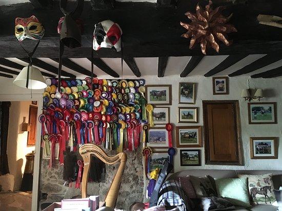 Great Sloncombe Farm: sitting room