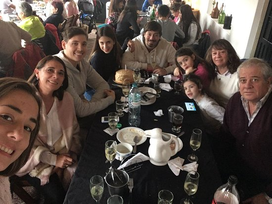 Tomas Jofre, Αργεντινή: Cumple en almacén fronteras