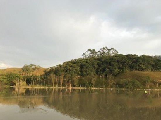 Fazzenda Park Hotel: Lago maravilhoso!