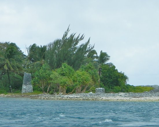 Fanning Island, Republik Kiribati: The Greig Memorial