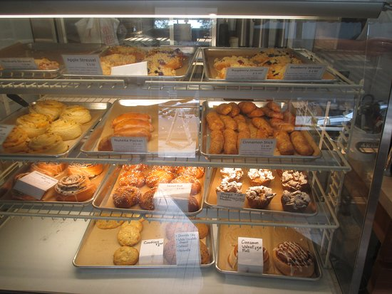 Aki's Bread Haus: B akery Treats