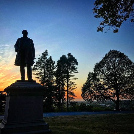 Statue of Thomas Brackett Reed