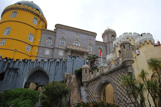 Private sightseeing Tour to Sintra and Cascais from Lisbon: Pena Palace