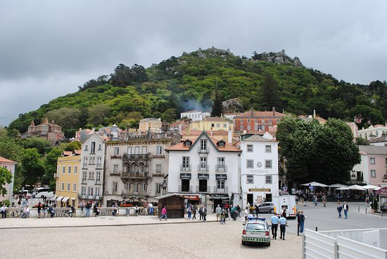 Private sightseeing Tour to Sintra and Cascais from Lisbon: Sintra
