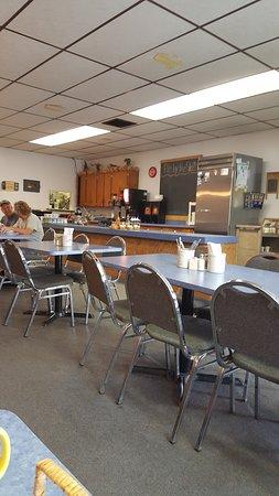 Braham, MN: dining area