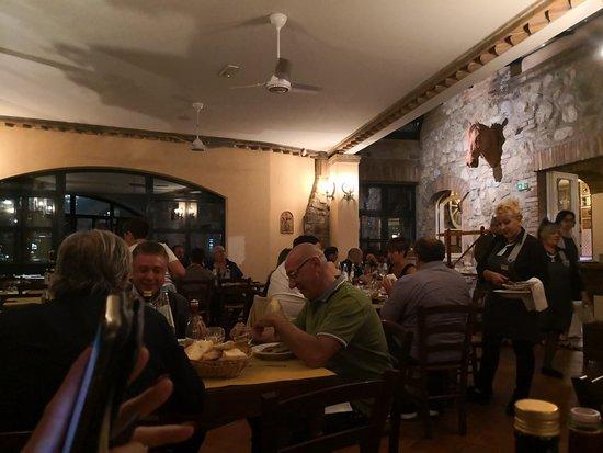 Fabro, Italie : TA_IMG_20180615_213655_large.jpg