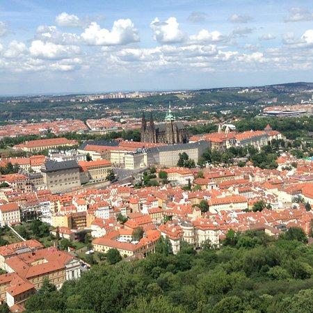 Petřín-højen: Prague Castle from the tower