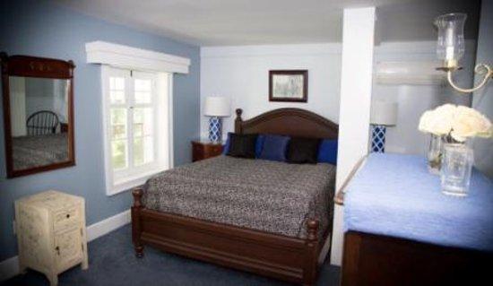 Cornwall, NY: Saffron Guest Room