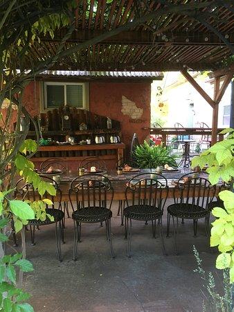 Cali Cochitta Bed & Breakfast: Breakfast area