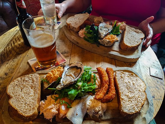 The Jolly Fisherman Pub: The Seafood Platter - so fresh & so tasty.