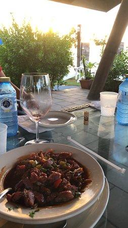 Salitre Meson Costero: Chorizo al vino