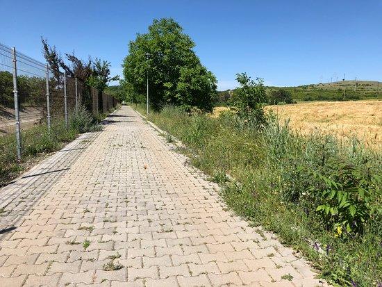 Perushtitsa, Bulgaria: walking path leading to Red Church.