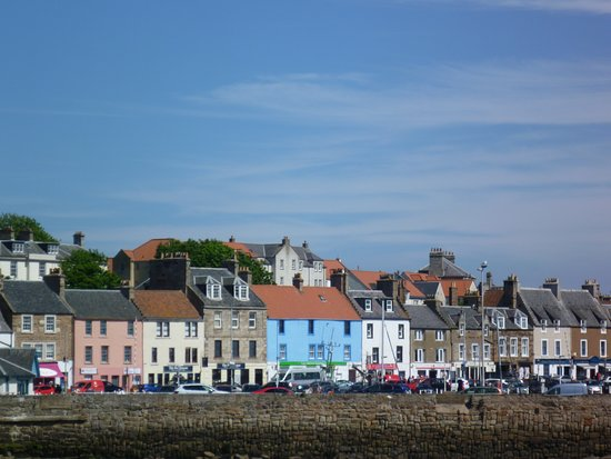Anstruther Harbour: Looking towards the harbour