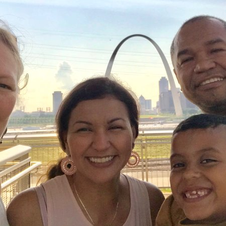 Malcolm W Martin Memorial Park: Best view of the arch, ever!  This is a welcome addition to the struggling E.St.Louis. I hope th