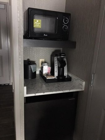 Chesterton, IN: Coffee maker and microwave