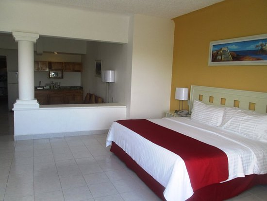 Holiday Inn Cancun Arenas: Guest room