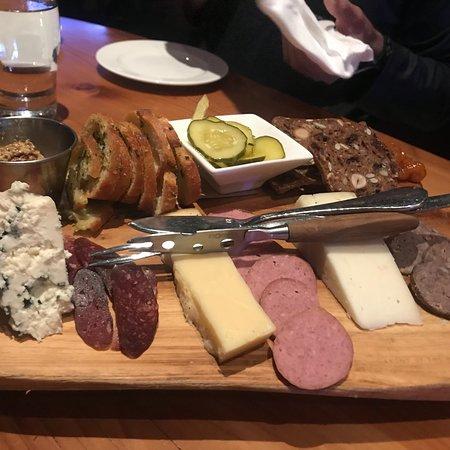 Spur Restaurant & Bar Photo