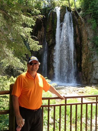 Spearfish Canyon: Spearfish Falls