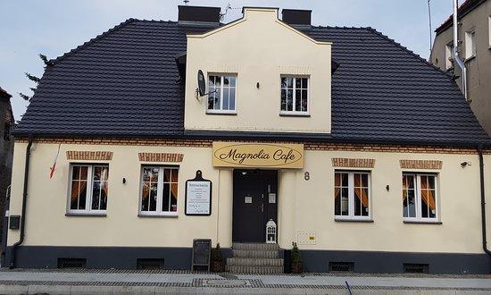 Rogozno, Poland: Pięknie odrestaurowany budynek wewnątrz i na zewnątrz