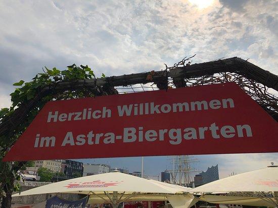 Eingang Picture Of Astra Biergarten Hamburg Tripadvisor