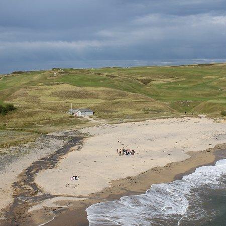 Gunwalloe, UK: Stunning views at the beach